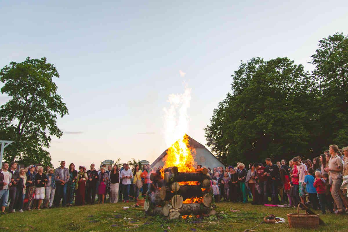 Midsummer's solstice around the world